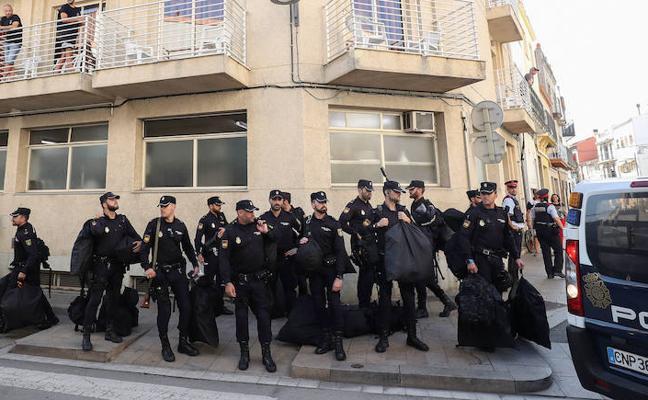 Interior enviará 50 agentes a Cataluña para escoltar a los candidatos constitucionalistas