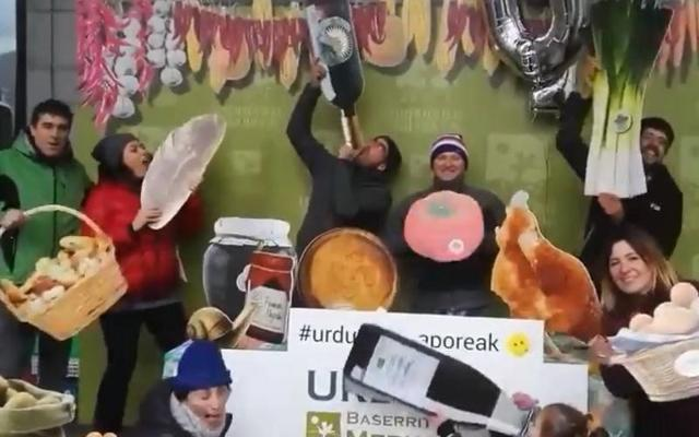 Los productores de Orduña, satisfechos con el décimo aniversario del mercado