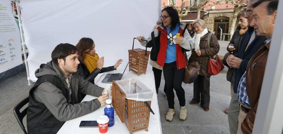 El éxito de la recogida de orgánicos obliga a Basauri a solicitar 2.000 kits más