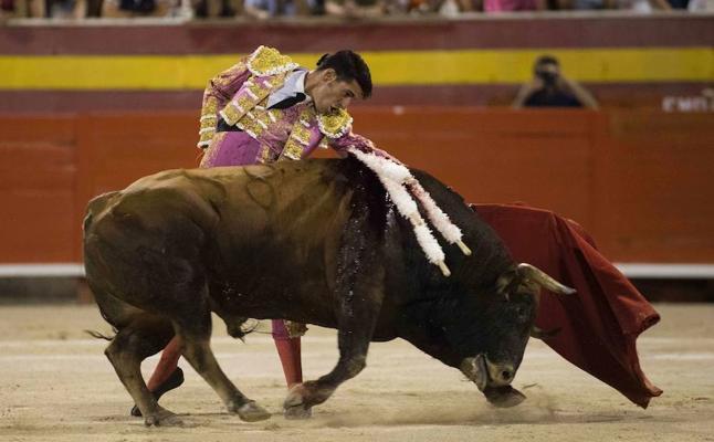 El Constitucional suspende la ley de 'toros a la balear', que prohíbe la muerte del animal