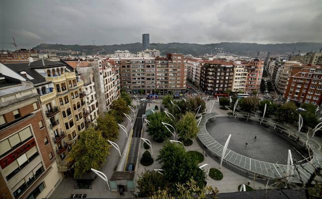 La Ertzaintza aumenta la vigilancia para frenar los robos a menores en el centro de Bilbao
