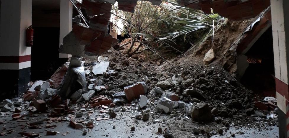 Una veintena de desalojados en Algorta por el derrumbe de un garaje