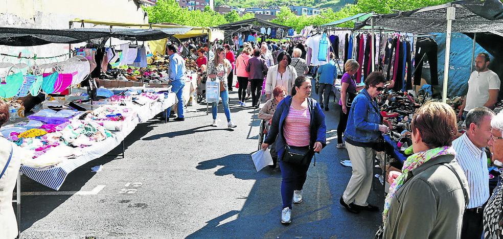 Erandio sacará a concurso los puestos en los mercadillos en 2018 por primera vez en 23 años
