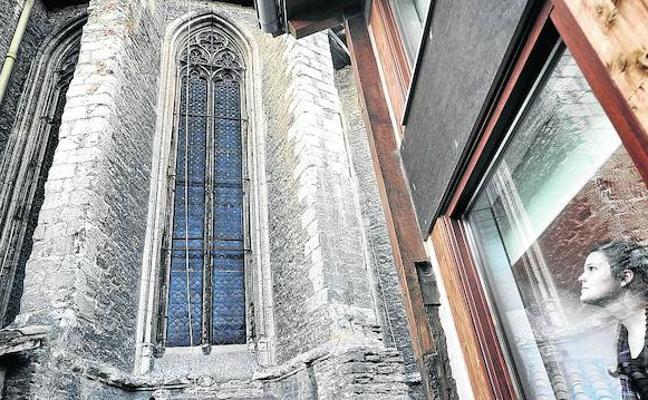 El albergue de la catedral Santa María cumple un lustro con casi 50.000 pernoctaciones