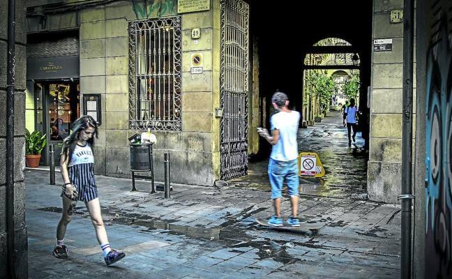 El Raval, el encanto canalla del lado oscuro de Barcelona