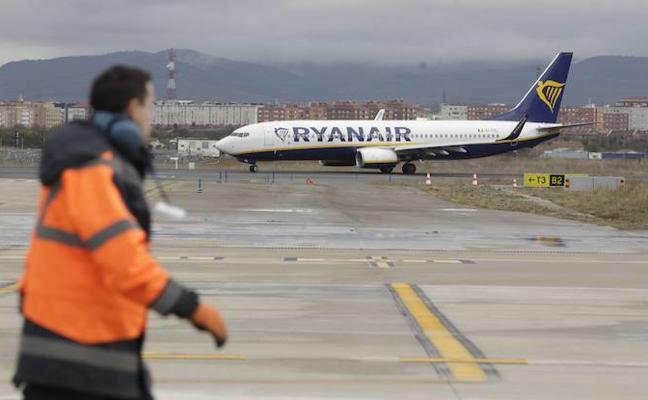 Dos de los seis chárters que debían aterrizar en Foronda el domingo no pudieron hacerlo por el temporal