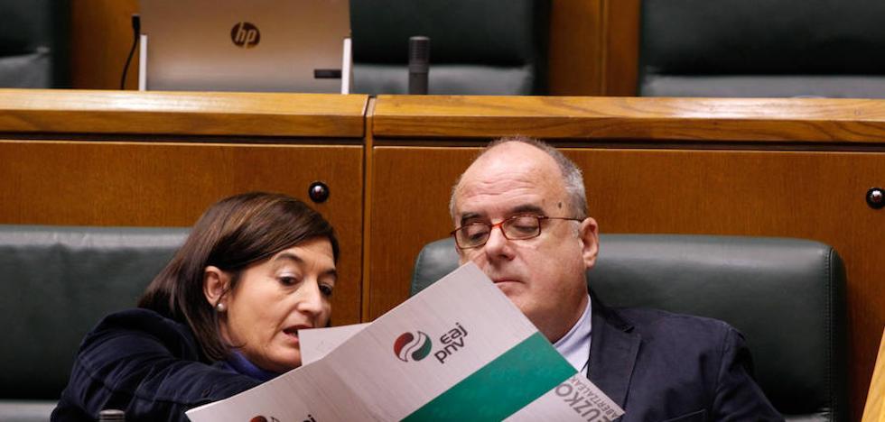 Egibar a Bildu: «Si quieren ser una alternativa primero deben gobernar con el PNV»