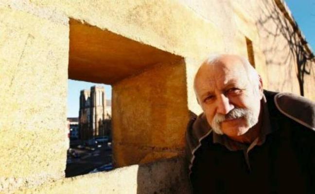 Un 'artesano de la paz' encabeza la oposición al cable submarino entre Euskadi y Francia