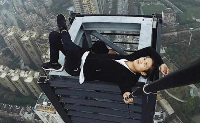 Un 'youtuber' chino graba su propia muerte al caer de un rascacielos