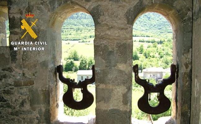 Dos detenidos en Bizkaia por robar campanas en iglesias de Burgos y Palencia
