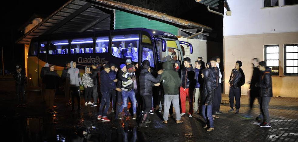 La Ertzaintza investiga si una mafia está detrás de la «masiva» llegada de menores a Bizkaia