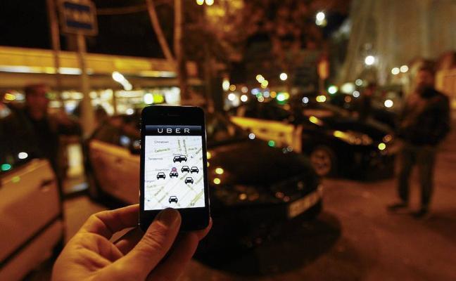 Competencia rechaza los nuevos requisitos de Fomento para Uber y Cabify