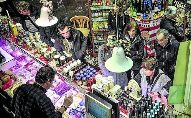 Sólo pequeñas tiendas de alimentación abrirán los domingos 24 y 31 para atender a los clientes