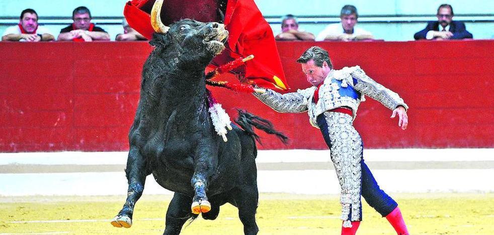 Urtaran reabre la puerta a los toros al sacar a concurso la organización de la feria de La Blanca