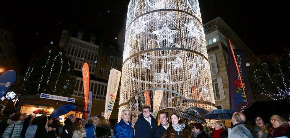 30.000 bombillas para iluminar la Navidad vitoriana