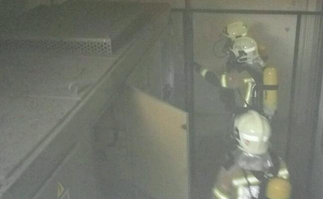 Desalojan un colegio de Rekalde por el incendio en un transformador