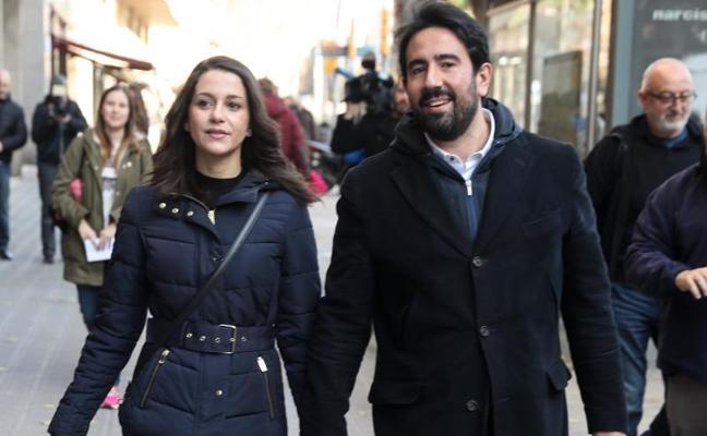 Insultos a Inés Arrimadas: «¡Fuera! ¡Fascistas! ¡Viva la república catalana de Cataluña!»