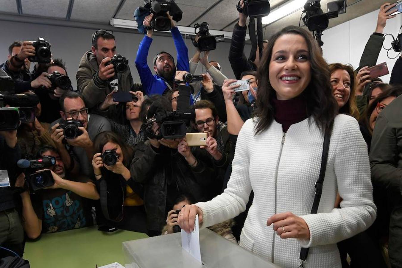 Los candidatos a la Generalitat de Cataluña acuden a votar