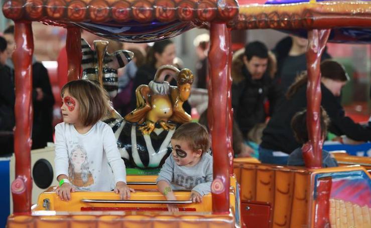 El Parque Infantil de Navidad de Vitoria abre sus puertas