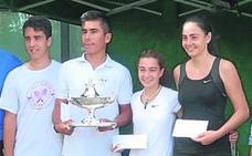 Diego Chávez y Naiara Uriarte, del Club de Tenis Fadura, encabezan el ranking vasco