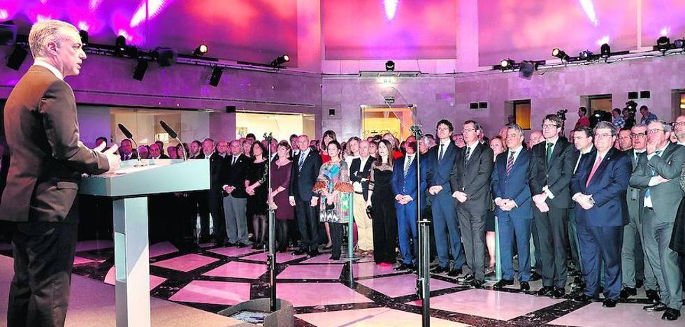El lehendakari 'vende' Euskadi como un modelo de «rigor, estabilidad y confianza»