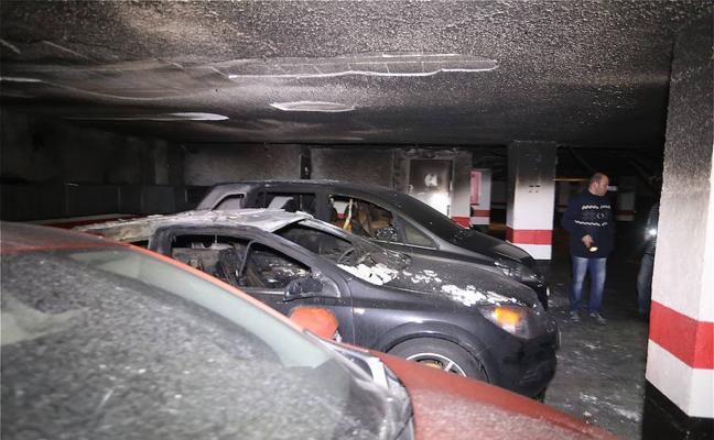 Cinco coches quemados en Erandio y Sopuerta
