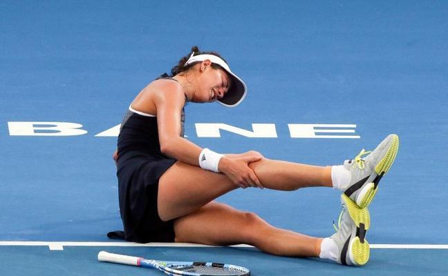 Garbiñe Muguruza abandona el torneo de Brisbane por fuertes calambres