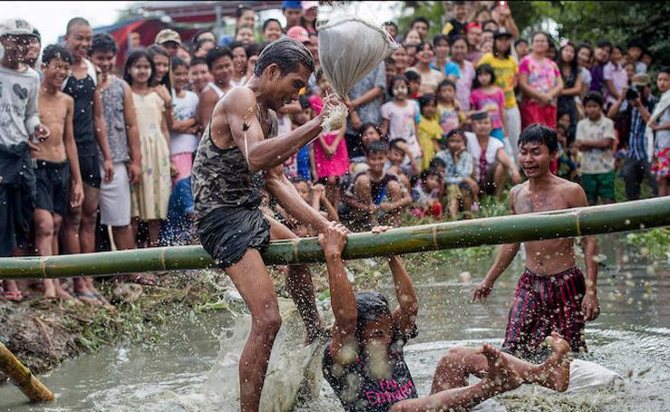 Birmania celebra su fiesta