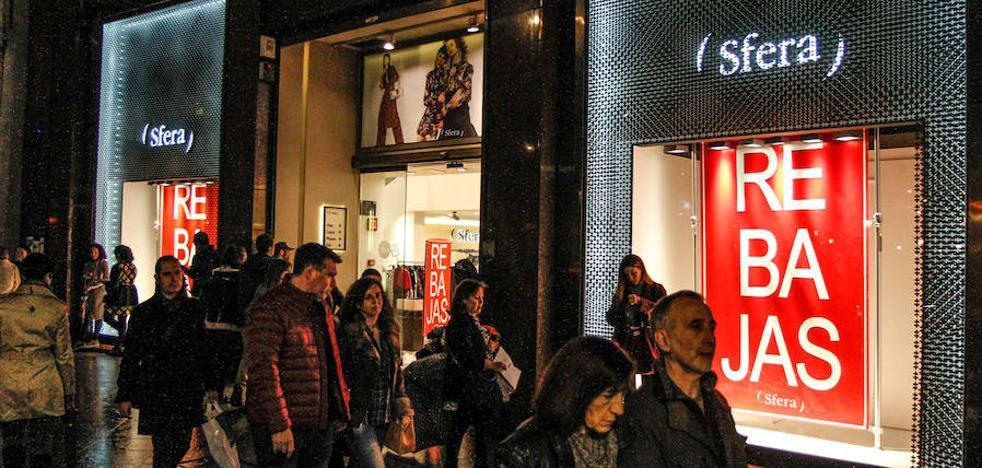 Una avanzadilla de grandes marcas adelanta las rebajas en Bilbao