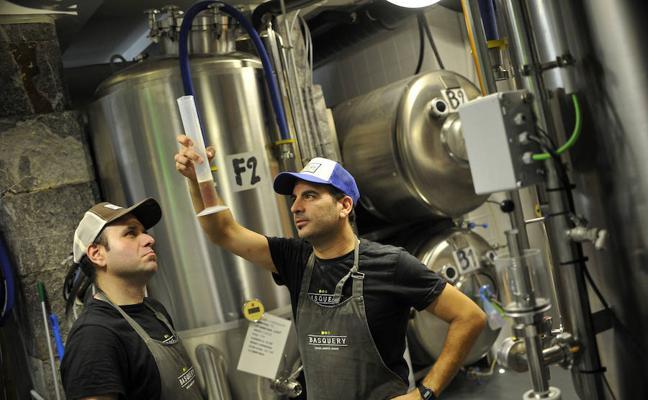 Aprendemos a cocinar cerveza artesana con Basquery