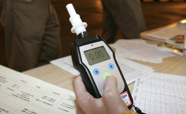 Arrestan a un conductor en Neguri por triplicar la tasa de alcoholemia
