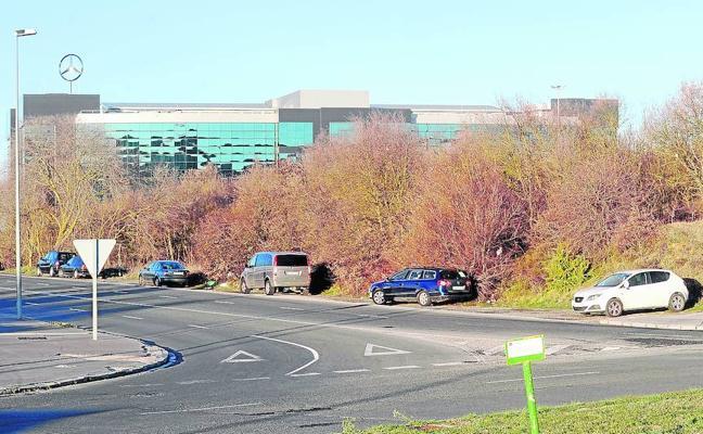 Mercedes proyecta un gran parking junto a su planta para dar servicio a sus empleados