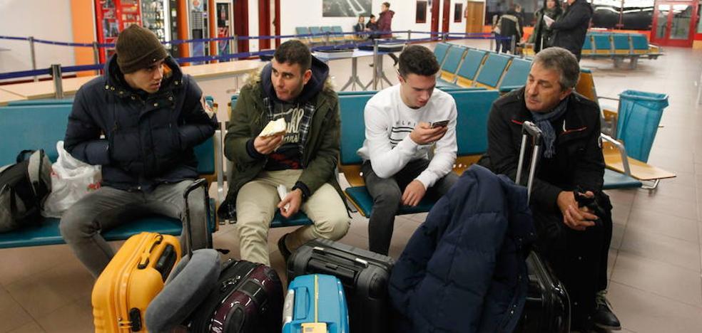 Ramiro González urge a Aena que amplíe el horario de Foronda y remodele la terminal