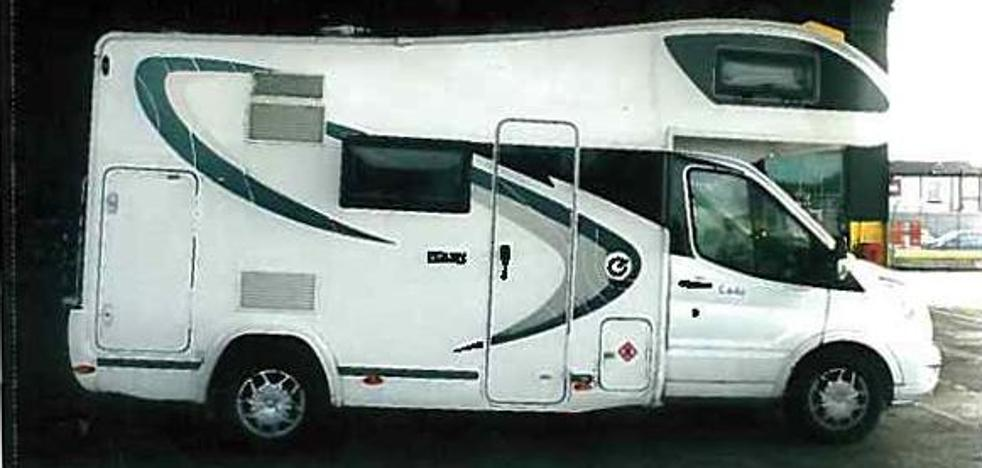 Condenan a dos británicas por colar en el ferry de Bilbao a 7 albaneses dentro de su caravana