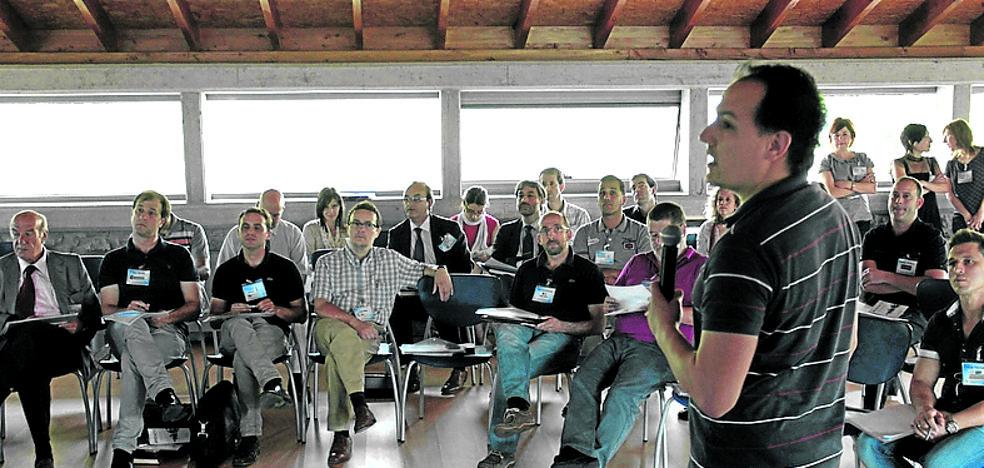 Emprendedores aprenden recetas de éxito en Basauri