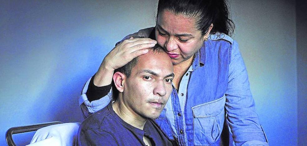 El joven atropellado en Bolueta: «Me dejaron tirado en la cuneta»