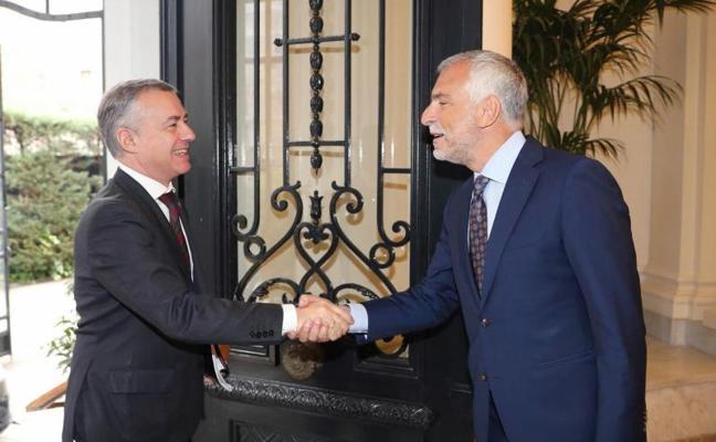 Urkullu defiende reconocer la singularidad de la nación vasca ante 25 embajadores de la UE