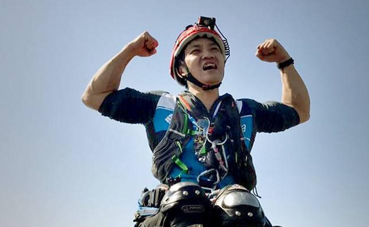 Lai Chi-wai, el hombre que escaló una montaña en silla de ruedas
