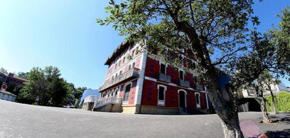 Dictan una orden de detención para el arquitecto del Museo Balenciaga