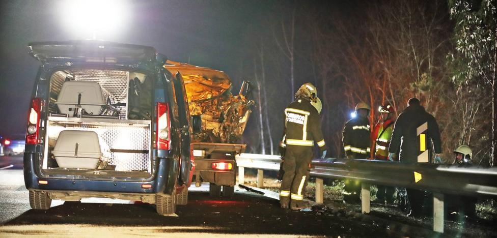El kamikaze de la A-8 «entró a fuego» en la autovía hasta chocar con el coche del joven matrimonio