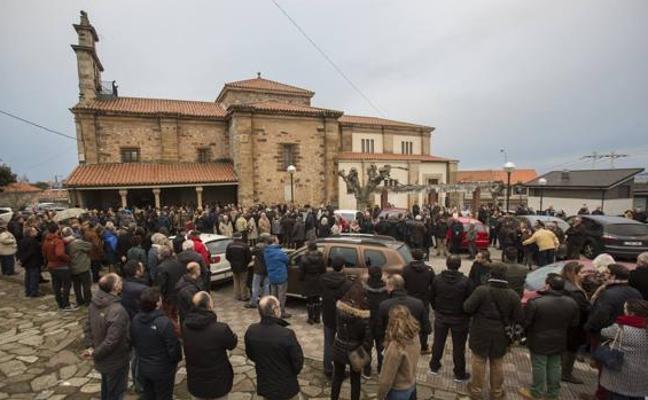 Familiares y amigos despiden en Cantabria a las víctimas del kamikaze de la A-8
