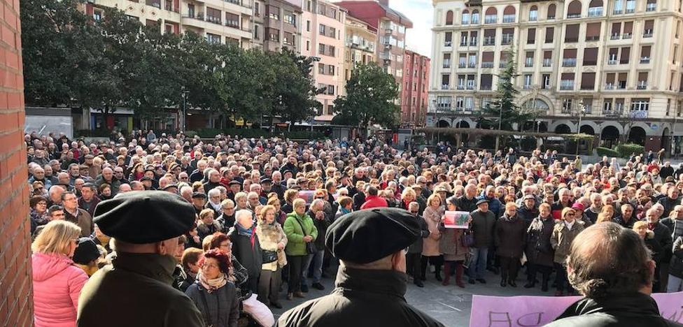 Cientos de pensionistas se movilizan en Barakaldo para denunciar la pérdida de poder adquisitivo