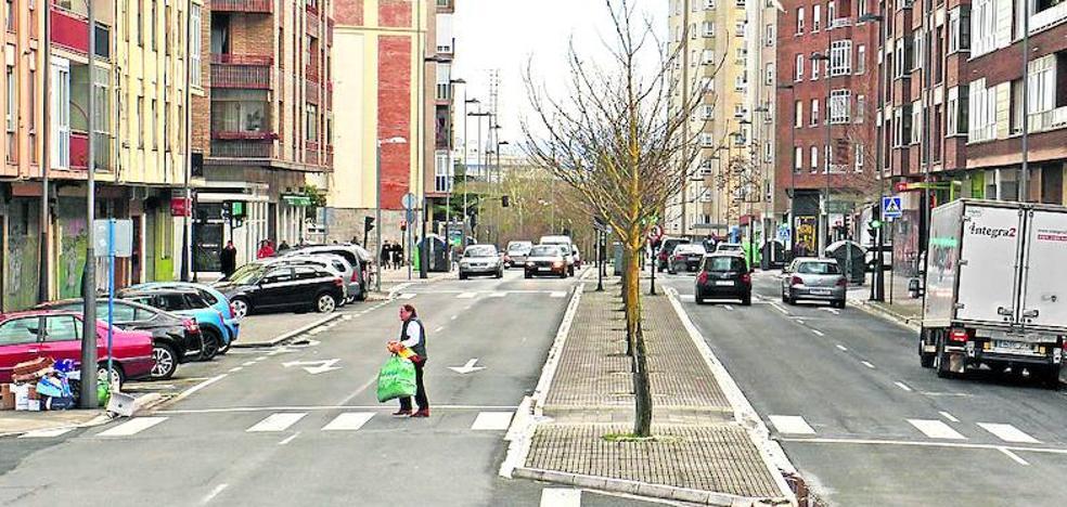La ampliación del tranvía a Salburua eliminará dos carriles de circulación y 162 aparcamientos
