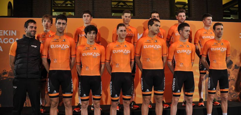 Mikel Landa reflota la marea naranja