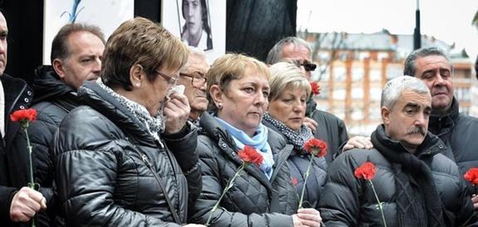 Ramiro González censura que el Constitucional «despacha» «en 3 líneas» el «crimen» del Tres de marzo