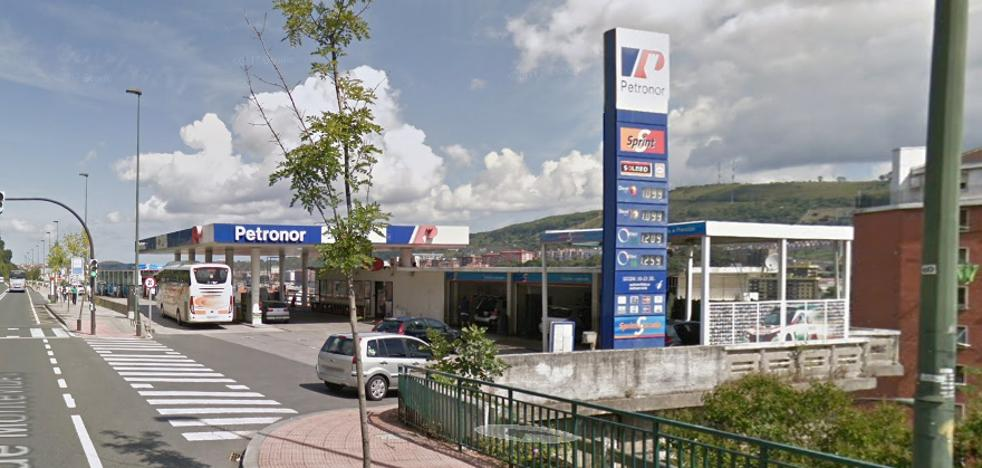 Detenido por robar tabaco y dinero en una gasolinera de Bilbao