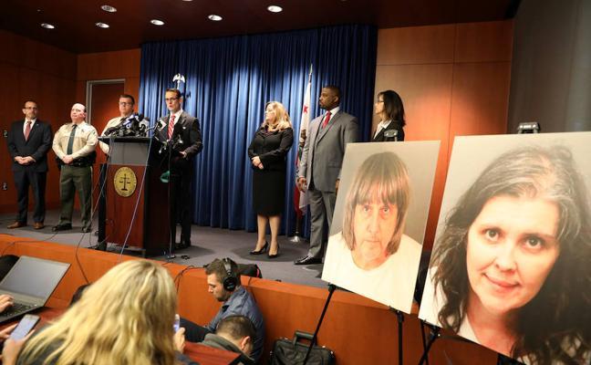 Los padres de los 13 hijos confinados en EE UU se declaran inocentes de tortura, abuso y actos lascivos