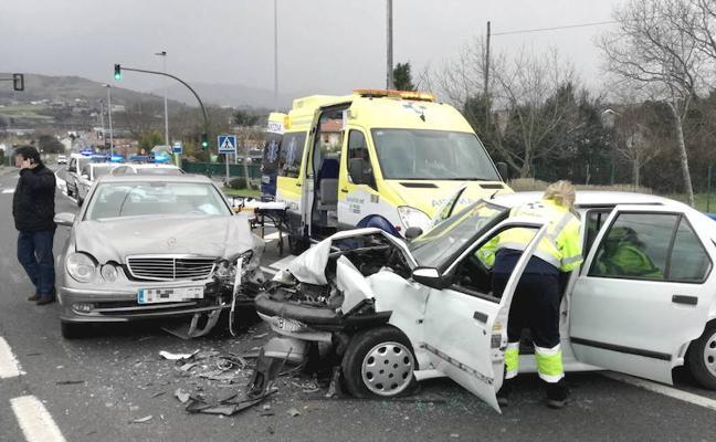 Loiu reclama una variante para incrementar la seguridad del tráfico en el casco urbano