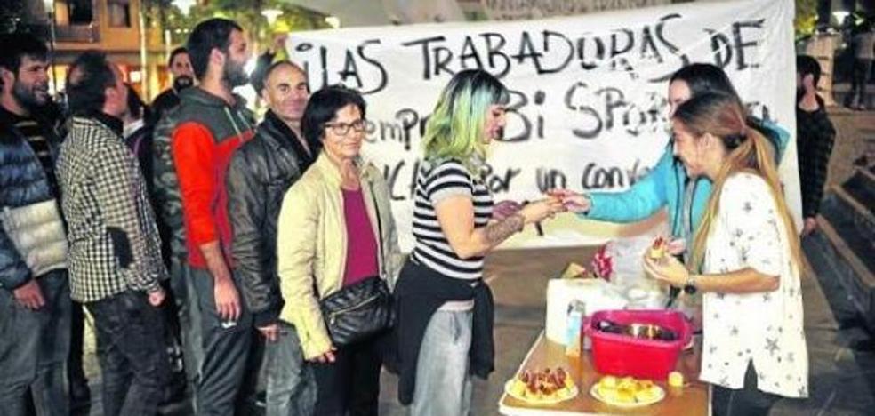 Las bajas se suceden en el polideportivo de Erandio tras 75 días de huelga