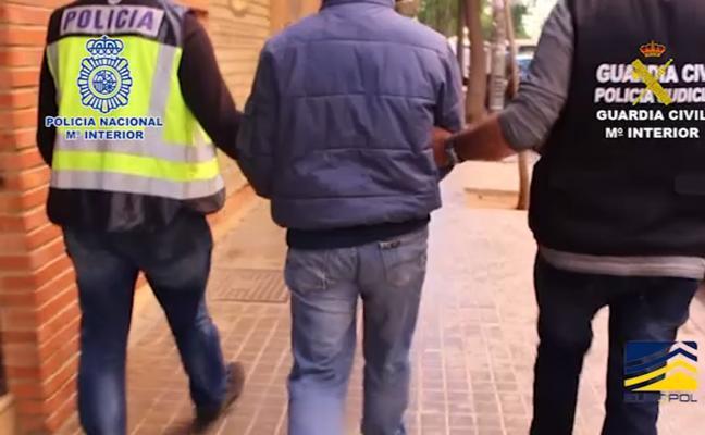 Detenido en Bilbao un miembro de una red que transportaba inmigrantes ilegales en camiones frigoríficos